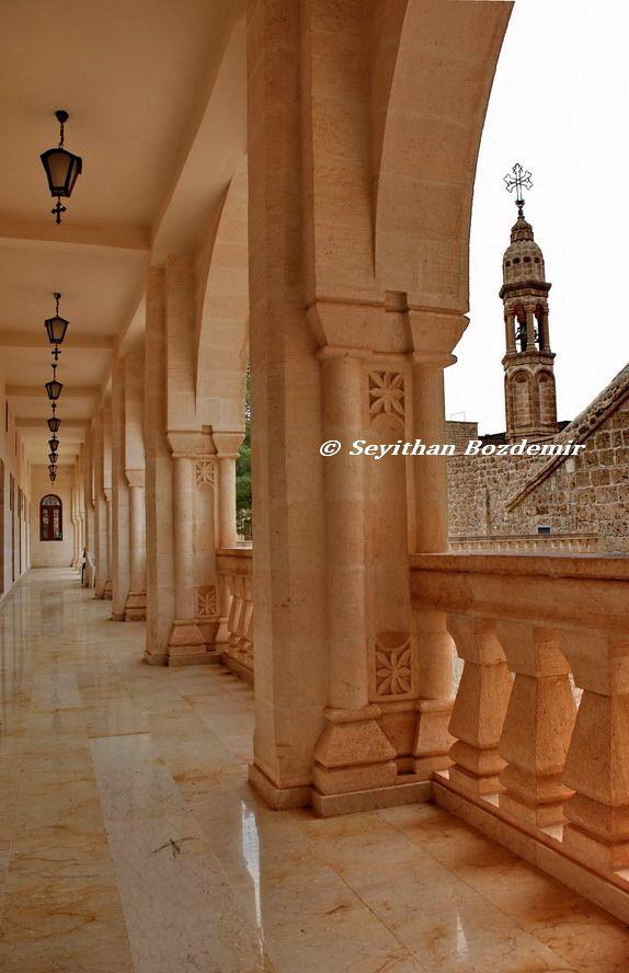 Mardin midyat mor gabriel manastırı by Seyithan BOZDEMİR on 500px