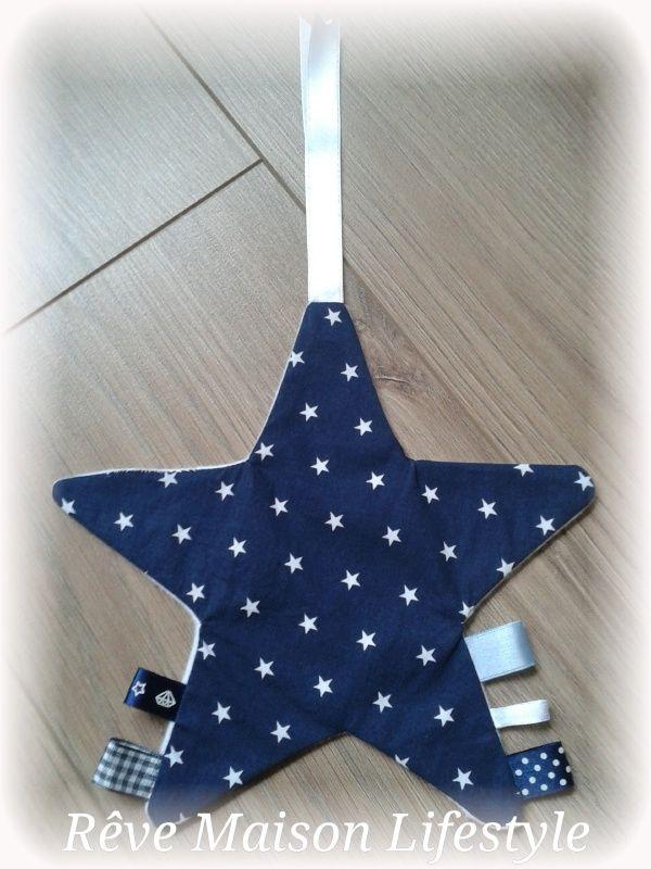 Groot knuffel-/ label-en speendoekje Ster-vorm in Sterren-stof marine donker-blauw/wit