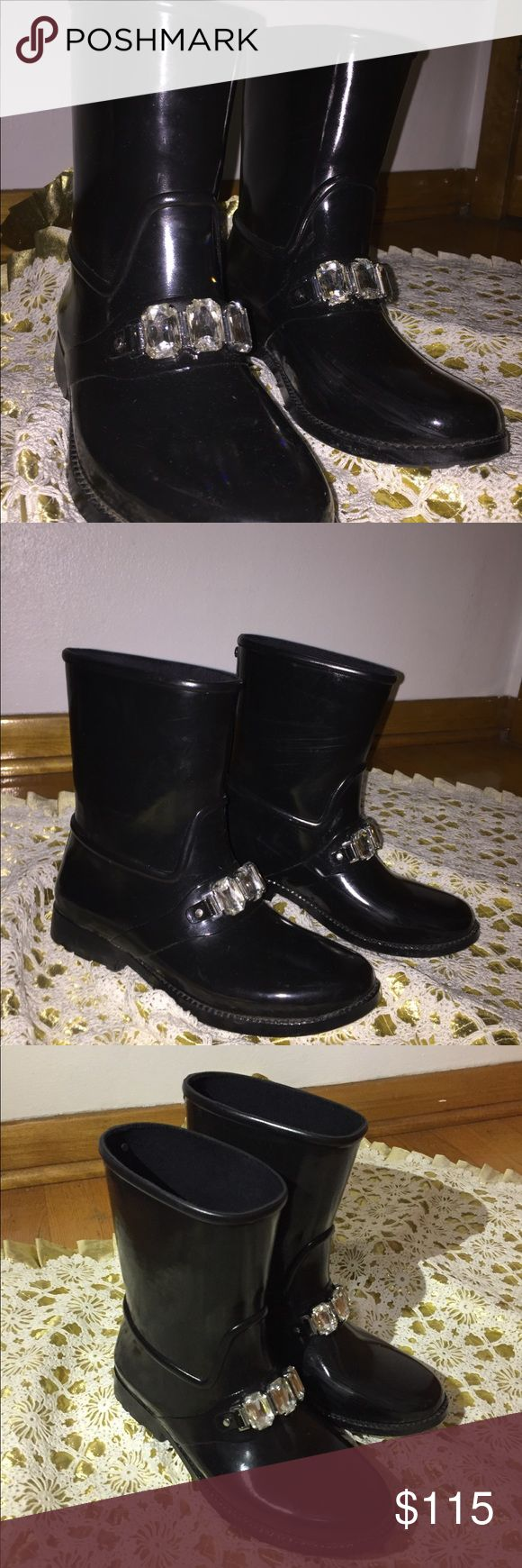 Michael Kors Leslie Embellished Rubber Rain Boots These beautiful black Michael Kors Rain Boots are very comfortable and very practical but fashionable at the same time. They look great with anything you wear; the crystals make them cute enough for everyday. I have barely worn them so they are like-new. Please don't hesitate to ask me any questions. I am also accepting offers. Michael Kors Shoes Winter & Rain Boots