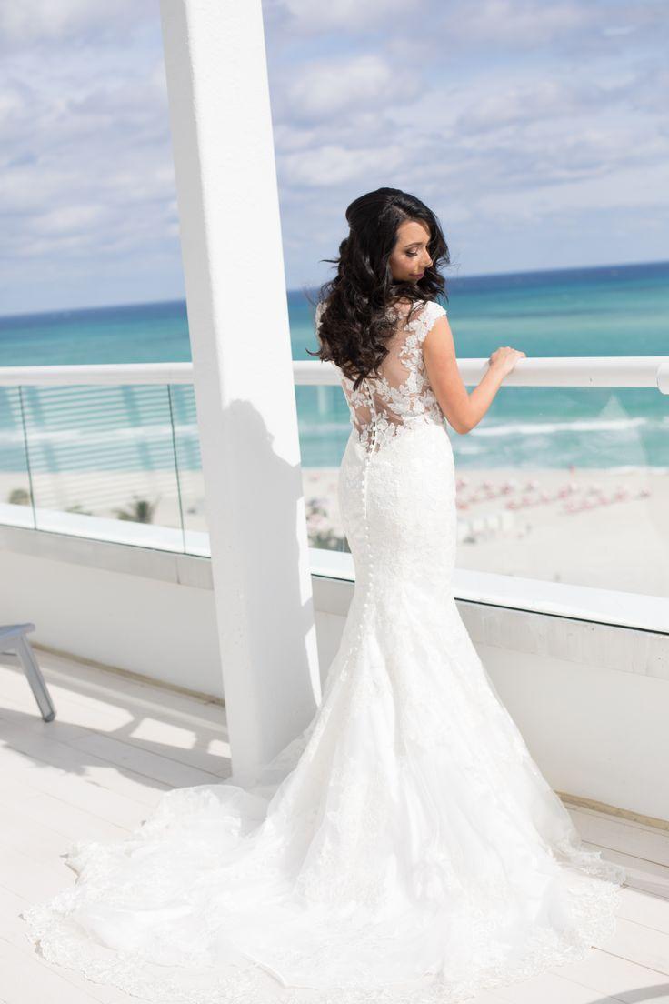 The Palms Hotel // Heather Funk Photography // Miami Beach // beach wedding // wedding gown // romantic wedding // beach hair // beach bride