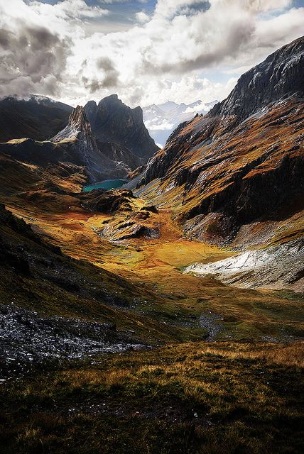 """Hiking in the """"Massif des Cerces"""", french alps. Autumn colours and elusive shadows..."""
