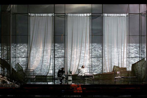 Escenografia con cortinas decorativas buscar con google for Cortinas decorativas