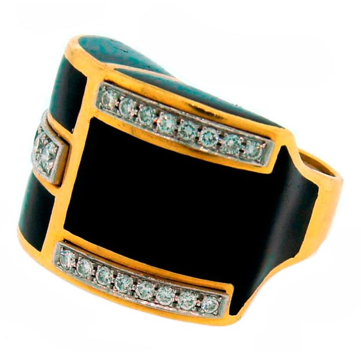 DAVID WEBB Diamond Black Enamel & Yellow Gold Ring . It is made of yellow gold and black enamel and studded with approx. 0.80 ct of fine round brilliant cut diamonds. The diamonds are set in platinum. Circa 1970s