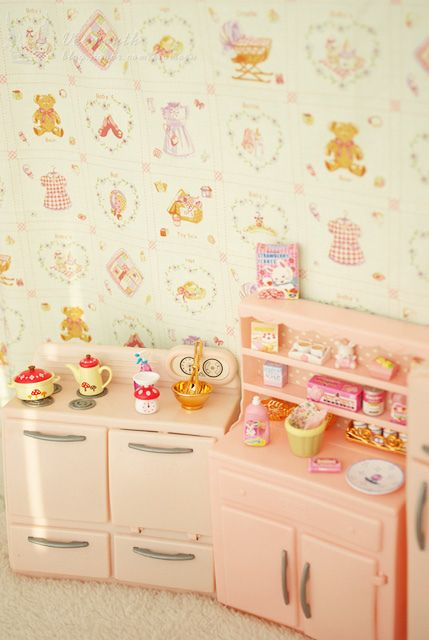 By kiomeru My sister had this kitchen furniture.