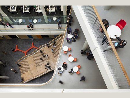 Livet i atriumet, se og bli sett City_of_Westminster_College-schmidt_hammer_lassen_architects