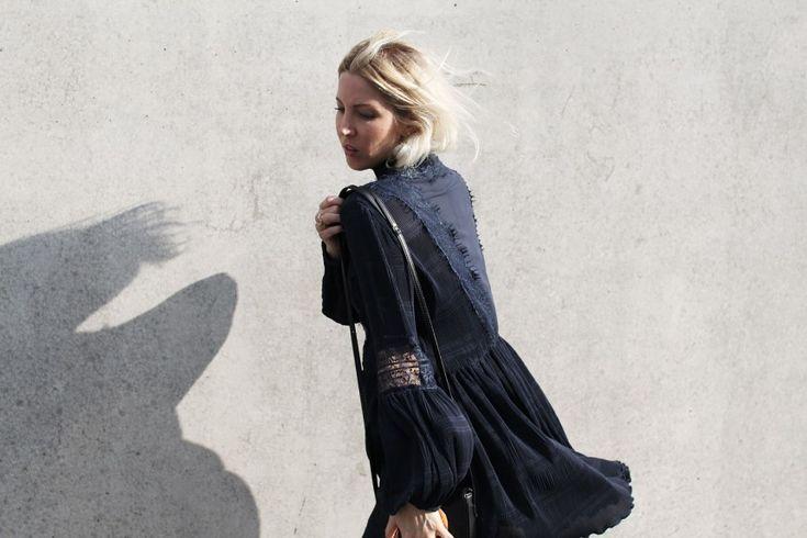 Ganni, Spitzenkleid, Lace, Dress, Navy, Layering, Zara, Skinnyjeans, Mules, Asos, vegan, Stella McCartney, ootd, lotd, Look, Outfit, Streetstyle, Inspiration, Fashion, Design, Blog, stryleTZ