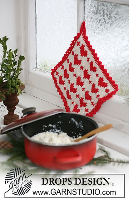 Ravelry: 0-587 Pot holder with Christmas pattern in Paris pattern by DROPS design