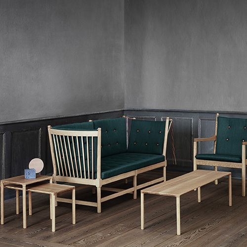 Fredericia Furniture - Piloti #Sofabord #Design #Loungemoebler #Loungesaet