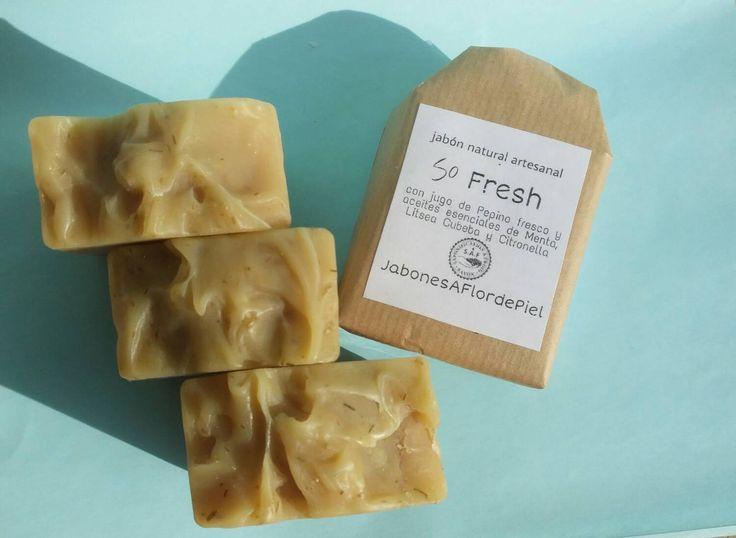 """Jabón """"So Fresh"""" Jabón Natural Artesanal con Jugo fresco de Pepino y aceites esenciales refrescantes y tonificantes de jabonesaflordepiel en Etsy"""
