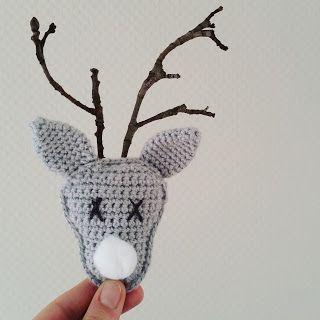 Gratis Nederlands haakpatroon voor een leuk klein haakproject om gezellige kerstsfeer in huis te brengen.
