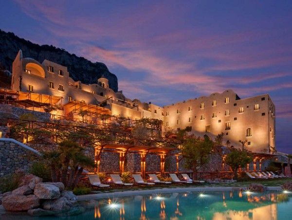 Monastero Santa Rosa Hotel and Spa is an opulente hotel located in Conca dei a little away from the Church of San Pancrazio, Ancient Arsenals of the Amalfi Republic and Emerald Grotto.