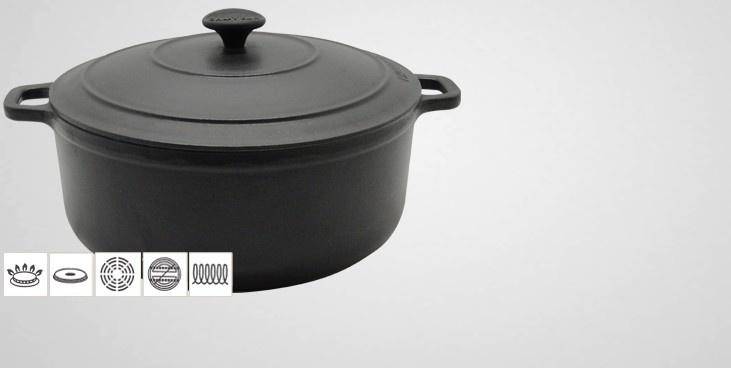 Cocotte ronde en fonte Française Chasseur à triple émaillage alimentaire. La fonte est l'une des matière les plus apprécié dans le domaine de la cuisine car elle s'adapte à toute les sources de cuisson (y compris induction), tout en offrant une qualité de cuisson hors du commun.
