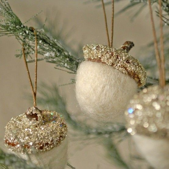 White and silver sparkly acorns ~ love it!