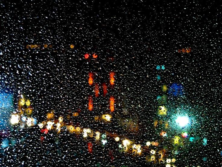 Yağmurlu bir havada Tarla başı akşamı.