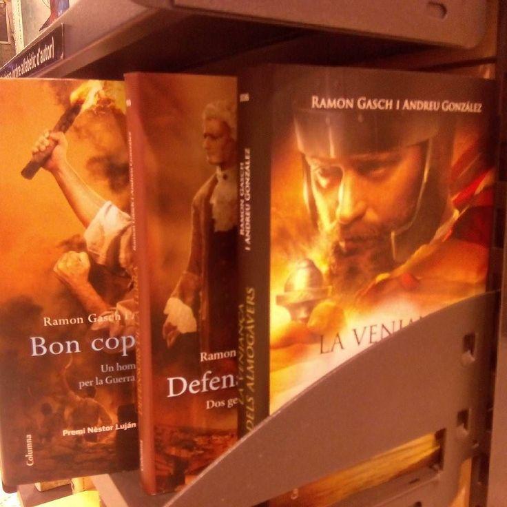 A l'Abacus de l'Hospitalet tenen les tres novelles que hem escrit el Ramon Gasch i jo costat per costat: 'Bon cop de falç!' 'Defensors de la terra' 'La venjança dels almogàvers'  #lectura #llibres #almogàvers #boncopdefalç #defensorsdelaterra #barcelona #igersbarcelona #igerscatalunya #novel #historicalfiction #fiction #reis #fotodeldia