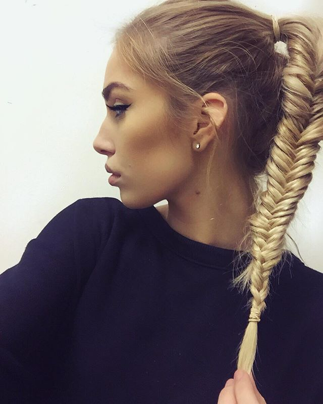 Fishtail + a whole lot of bby hairs. Using my @foxylocks.co.uk Volumizer - wrapped around my bobble - for extra dimension.  #foxylocks #teamfoxylocks #fishtailponytail #fishtail #pony #love #hair #blonde #highpony #makeup #makeupforever #anastasiabeverlyhills #hudabeauty #youtube #youtuber #hairstyles #bleach