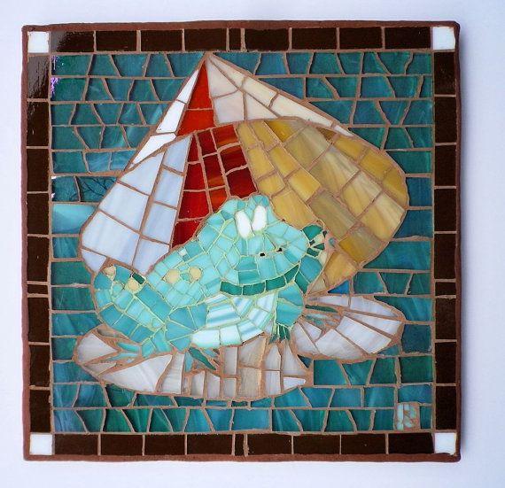 Frog with shade umbrella lily pad mosaic by LachanceGlassMosaic