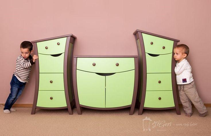 TiGeRi Kids Furniture - Kids Dressers... smiley furniture just like in fairy tales!