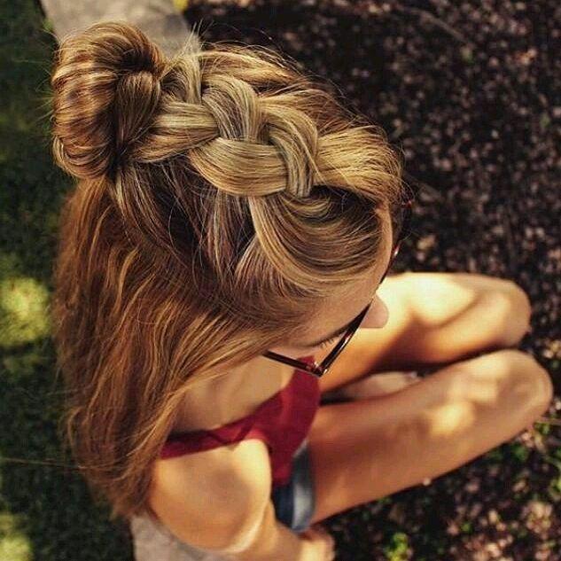 Einfache Zöpfe zeigen Ihnen immer stilvolle # Haar # Mode # Liebe # schöne # niedliche # Augen
