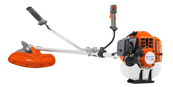Husqvarna 143RII Brushcutter SALE - R4,995 (Worcester Special - R4,495)  Husqvarna 143R-II is a rugged Brushcutter designed for tough use. The handle bar has an asymmetrical design which leads to better working position. Delivered with double harness.  Winter Sale - End of July 2013