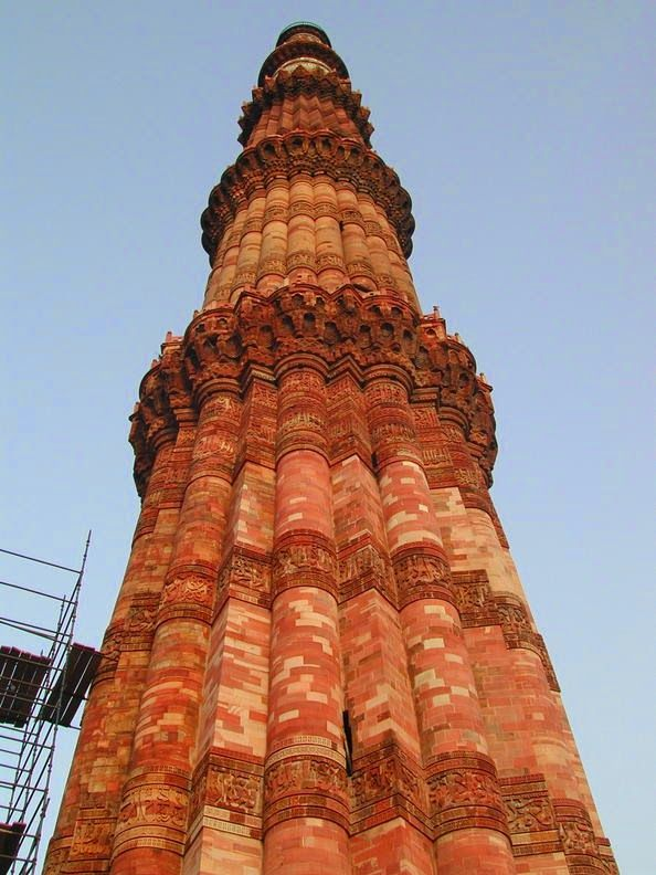 The Qutub Minar is one of the world famous Indian heritage site, which is  situated at Mehrauli in Delhi.