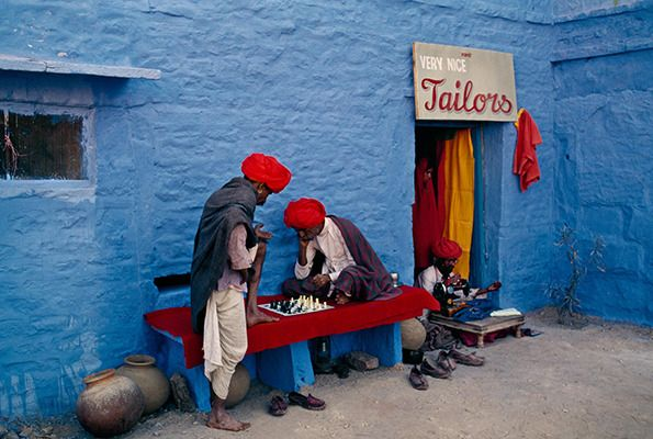 Steve McCurry - Blue City - photo's of Jodphur - love the sign