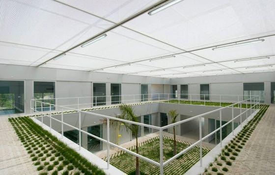 Subarquitectura-Edificio De Investigacion Entre Limoneros