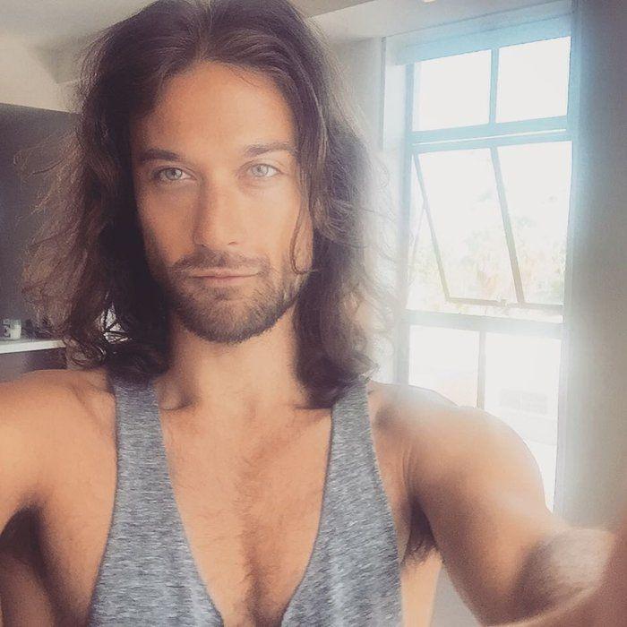 Instagram'da Görünce Takip Etmekten Kaçınamayacağınız 21 Uzun Saçlı Erkek