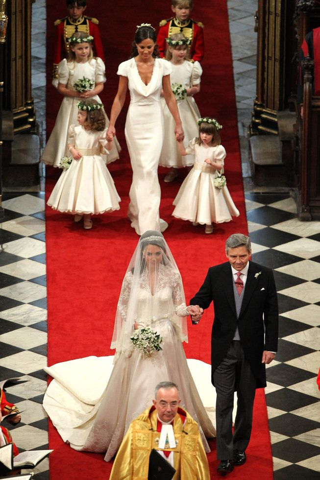 Kate, Micheal and Pippa Middleton with bridesmaids and pageboys / The Royal Wedding, Westminster Abbey, London