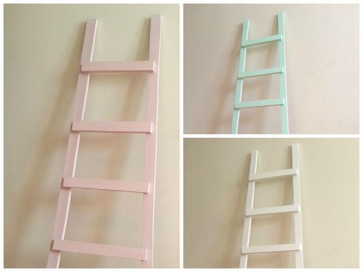 escalera decorativa de madera realizada a mano la llamamos mini porque esta realizada con madera