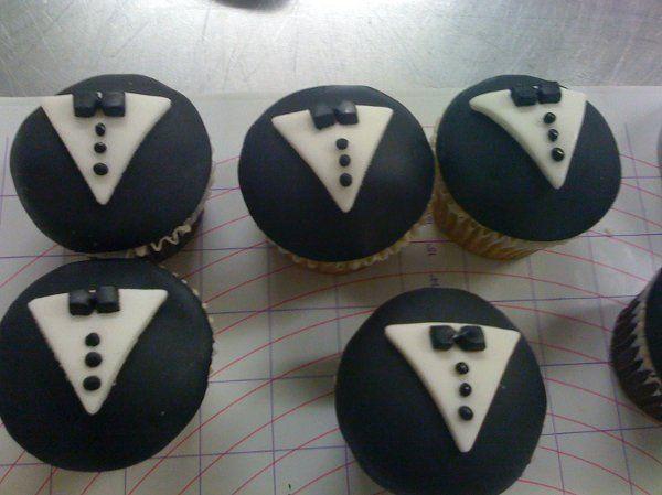 Cupcakes Groom's Cake Wedding Cakes Photos & Pictures - WeddingWire.com
