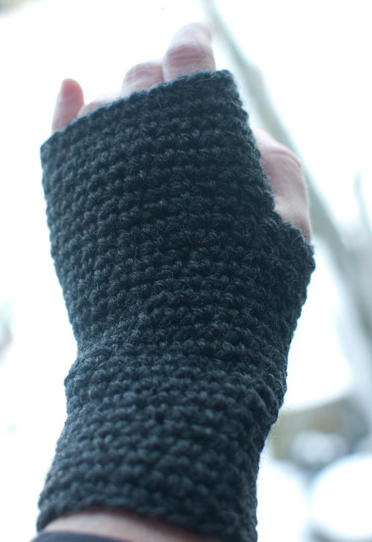 Crochet #Wristwarmers / #Fingerless gloves. £25.00, via Etsy.