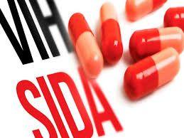 """Una ONG venezolana alertó sobre la escasez de tratamientos contra el VIH-Sida   La ONG venezolanaAcción Solidaria, que cuenta con el llamado""""Centro de Información Nacional de VIH y Sida"""",alertó este jueves que desde haceocho meses hay escasez de tratamiento antirretroviral en el país,"""