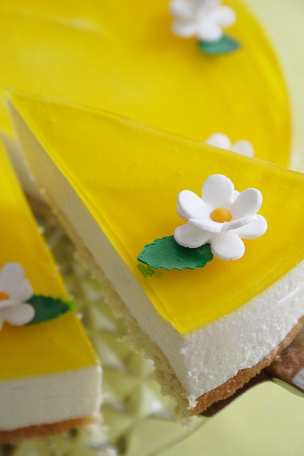 Lemon & Saffron Cheesecake by palachinka, via Flickr