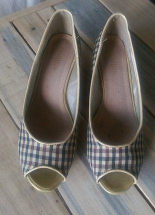 Kup mój przedmiot na #vintedpl http://www.vinted.pl/damskie-obuwie/inne-obuwie/18465031-materialowe-buty-na-niskim-koturnie-z-odkrytymi-palcami