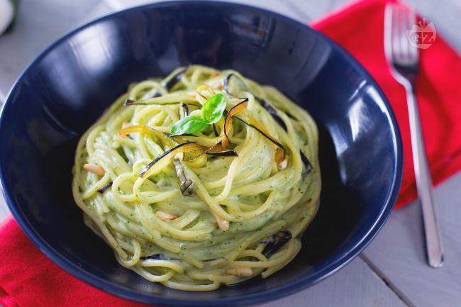 Spaghetti-con-crema-di-burrata-e-melanzane