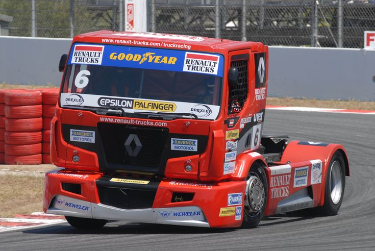 Big Truck Racing trucksrenaulttruckracebig.jpg