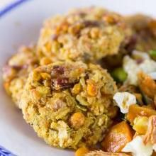 Cialde di legumi e riso con verdure ed emulsione di fichi d'India