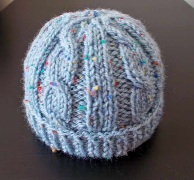 marianna's lazy daisy days: Cabled Baby Hat free pattern