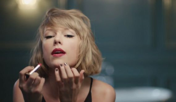 "Taylor Swift canta ""The Middle"" do Jimmy Eat World em novo comercial da Apple Music #Cantora, #Comercial, #Hit, #Loira, #Noticias, #Novo, #Popzone, #Status, #Sucesso, #TaylorSwift, #Twitter, #Vídeo http://popzone.tv/2016/04/taylor-swift-canta-the-middle-do-jimmy-eat-world-em-novo-comercial-da-apple-music.html"