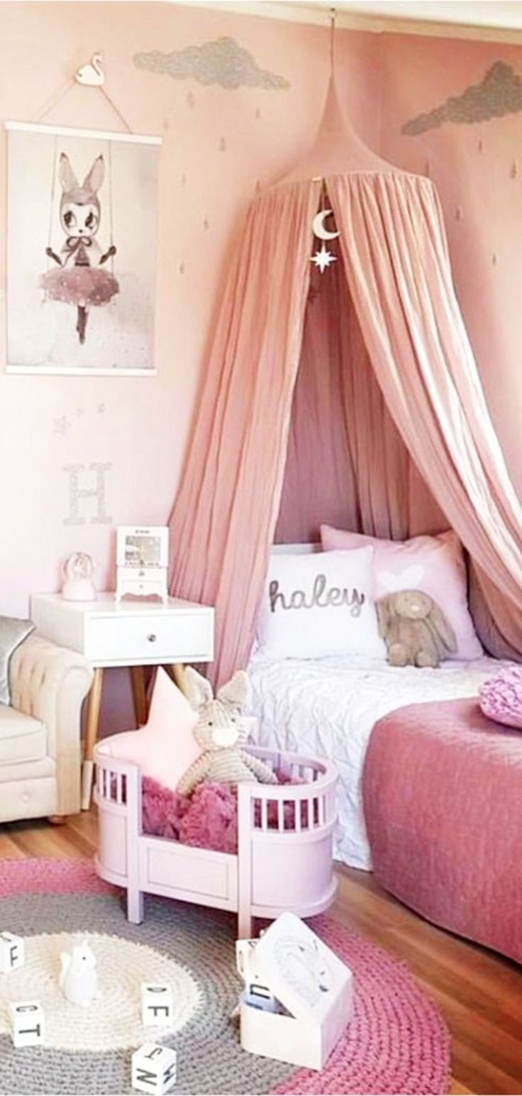 Little Girl S Bedroom Decorating Ideas And Adorable Girly Canopy Beds For Toddler Girls Clever Diy Ideas Girl Bedroom Decor Girls Bedroom Furniture Little Girl Bedrooms