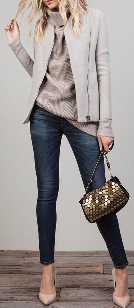 Perfect. Fall Happy Hour, or Date night. The purse is the perfect touch to make it pop. Love the oversized sweater & jacker.
