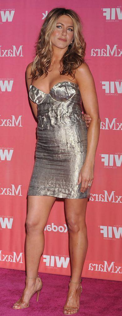 14 Photos Gallery – Jennifer Aniston 100% Sexy Pics #JenniferAniston #Friends