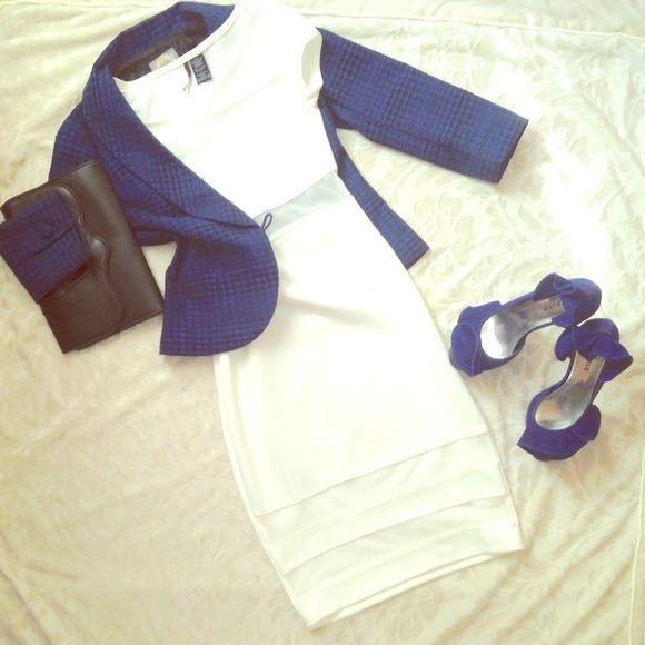 White and mesh dress White and mesh dress. Jr. Size small. No stains. Small snag. Small hole. Dresses Midi