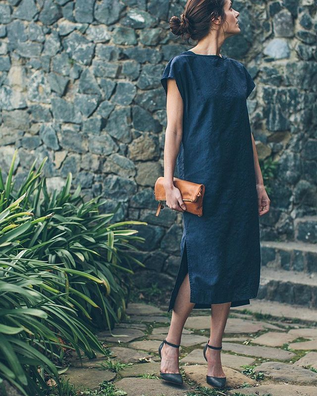 Loma Dress: Taylor Stitch. Foldover Clutch: Clare Vivier. Heels: Nisolo Shoes