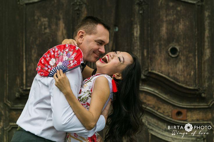 wings of love - wedding photo - www.birtaphoto.com #WeddingPhotographyAustria #PreWeddingPhotoVienna #Wien