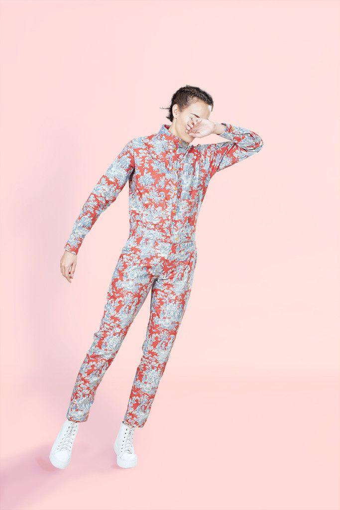 Churchill Siren Suit in Red & Blue Toile   hadjio.com  #hadjio #boilersuit #sire_suit #toile