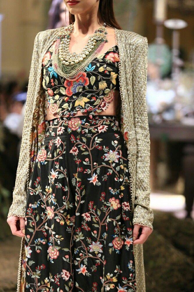 Anamika khanna-indian couture week 2016