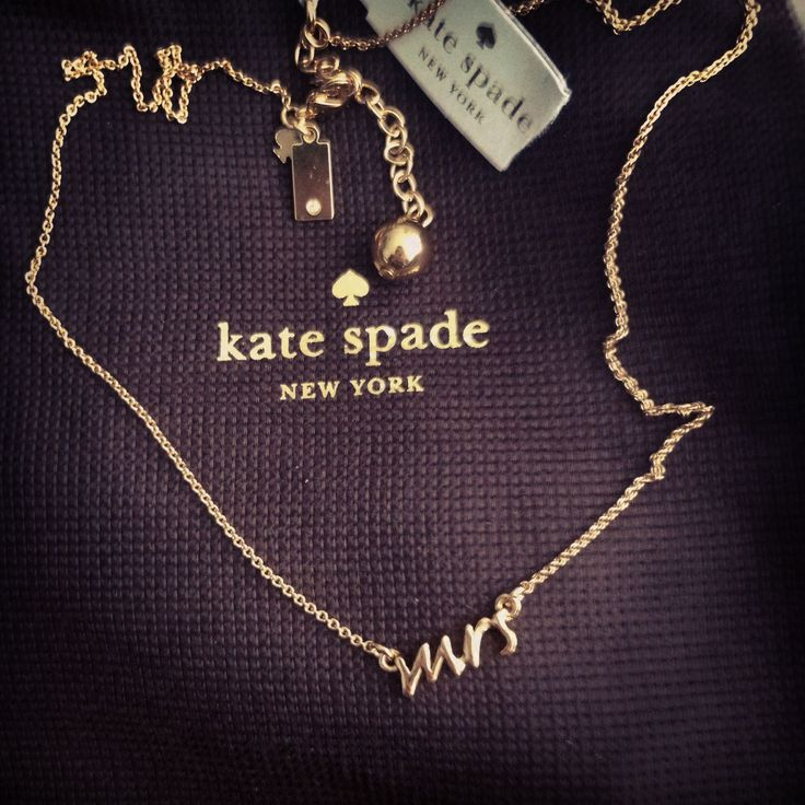 Honestly, this (and with a ring, obviously) would be the cutest, simplest way to propose. I've literally always wanted this necklace!!
