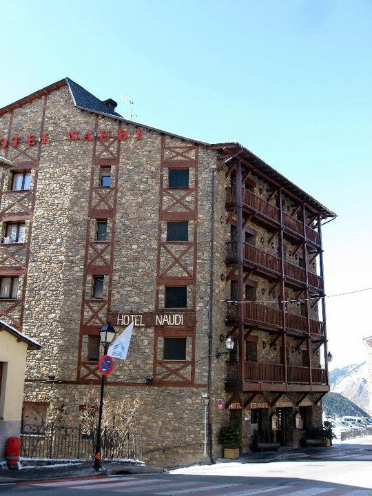 Hotel Naudi - Soldeu - Andorra Hotel Naudi is located on the main street in Soldeu. This is actually the road that comes from France via Pas de la Casa, goes all the way to the capital city - Andorra la Vella and eventually to Spain at Julia de Juria.